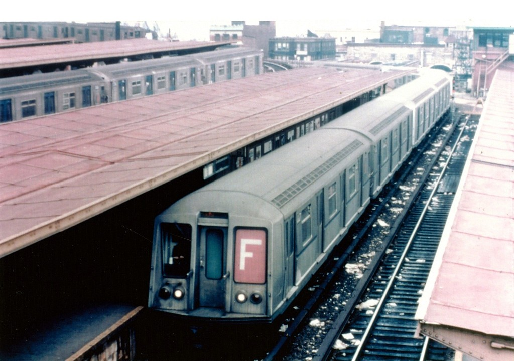 (163k, 1024x720)<br><b>Country:</b> United States<br><b>City:</b> New York<br><b>System:</b> New York City Transit<br><b>Location:</b> Coney Island/Stillwell Avenue<br><b>Route:</b> F<br><b>Car:</b> R-40 (St. Louis, 1968)   <br><b>Collection of:</b> George Conrad Collection<br><b>Viewed (this week/total):</b> 4 / 1595