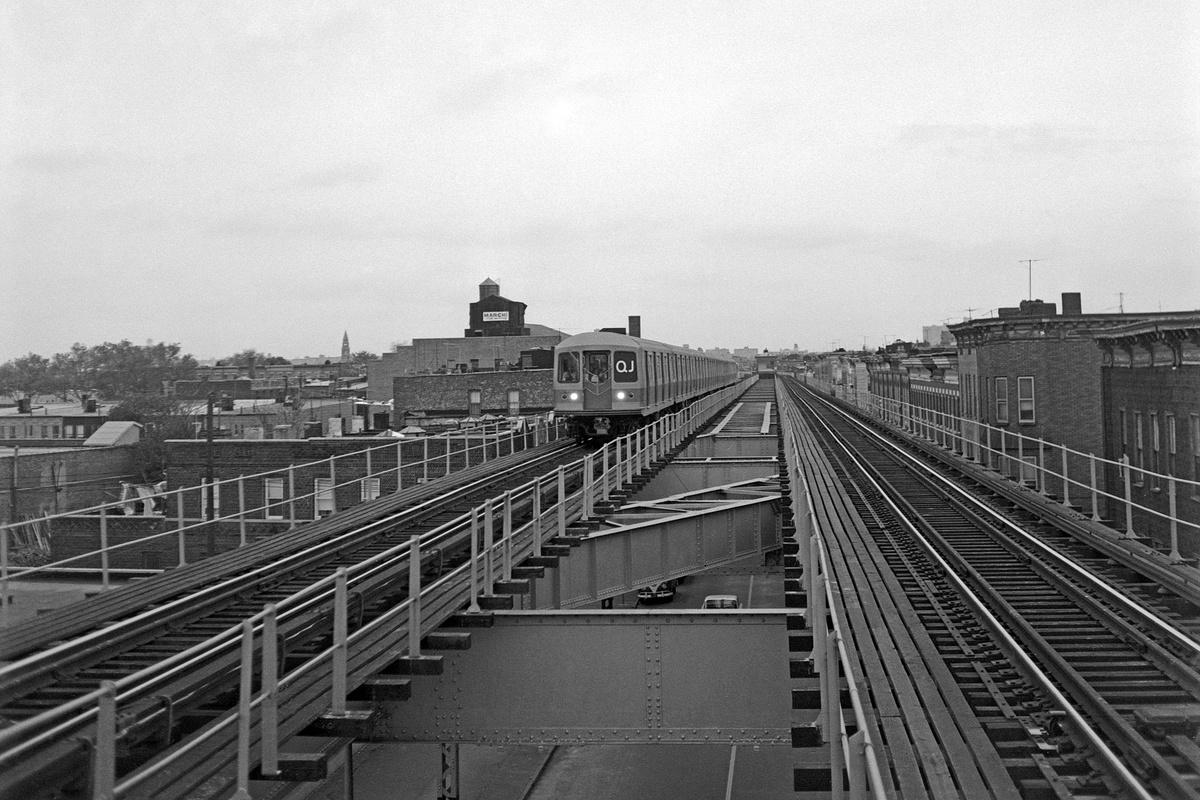 (156k, 1024x669)<br><b>Country:</b> United States<br><b>City:</b> New York<br><b>System:</b> New York City Transit<br><b>Line:</b> BMT Nassau Street/Jamaica Line<br><b>Location:</b> Crescent Street <br><b>Route:</b> QJ<br><b>Car:</b> R-42 (St. Louis, 1969-1970)   <br><b>Collection of:</b> George Conrad Collection<br><b>Date:</b> 11/1/1968<br><b>Viewed (this week/total):</b> 7 / 2504