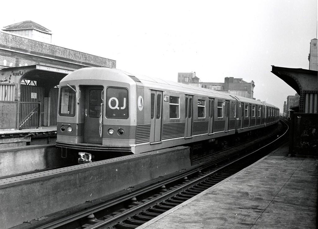 (185k, 1024x738)<br><b>Country:</b> United States<br><b>City:</b> New York<br><b>System:</b> New York City Transit<br><b>Line:</b> BMT Nassau Street/Jamaica Line<br><b>Location:</b> 160th Street (Demolished) <br><b>Route:</b> QJ<br><b>Car:</b> R-42 (St. Louis, 1969-1970)  4877 <br><b>Collection of:</b> George Conrad Collection<br><b>Date:</b> 9/18/1971<br><b>Viewed (this week/total):</b> 26 / 3746