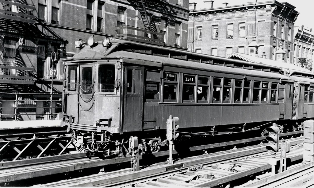 (233k, 1024x612)<br><b>Country:</b> United States<br><b>City:</b> New York<br><b>System:</b> New York City Transit<br><b>Line:</b> 3rd Avenue El<br><b>Location:</b> 67th Street <br><b>Car:</b> MUDC 1261 <br><b>Collection of:</b> George Conrad Collection<br><b>Date:</b> 1940<br><b>Viewed (this week/total):</b> 2 / 1659