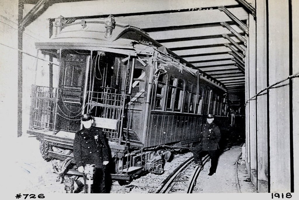(225k, 1024x686)<br><b>Country:</b> United States<br><b>City:</b> New York<br><b>System:</b> New York City Transit<br><b>Line:</b> BMT Franklin<br><b>Location:</b> Empire Blvd. (Malbone St.) Tunnel Portal <br><b>Car:</b> BMT Elevated Gate Car 726 <br><b>Collection of:</b> George Conrad Collection<br><b>Date:</b> 11/2/1918<br><b>Notes:</b> Head car in Malbone St. wreck.<br><b>Viewed (this week/total):</b> 3 / 4409