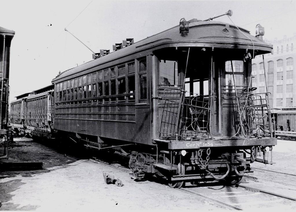 (201k, 1024x733)<br><b>Country:</b> United States<br><b>City:</b> New York<br><b>System:</b> New York City Transit<br><b>Line:</b> South Brooklyn Railway<br><b>Location:</b> SBK Yard (2nd Ave at 38th St.) (SBK)<br><b>Car:</b> BMT Elevated Gate Car 1639 <br><b>Collection of:</b> George Conrad Collection<br><b>Date:</b> 1909<br><b>Notes:</b> 1034<br><b>Viewed (this week/total):</b> 1 / 1226