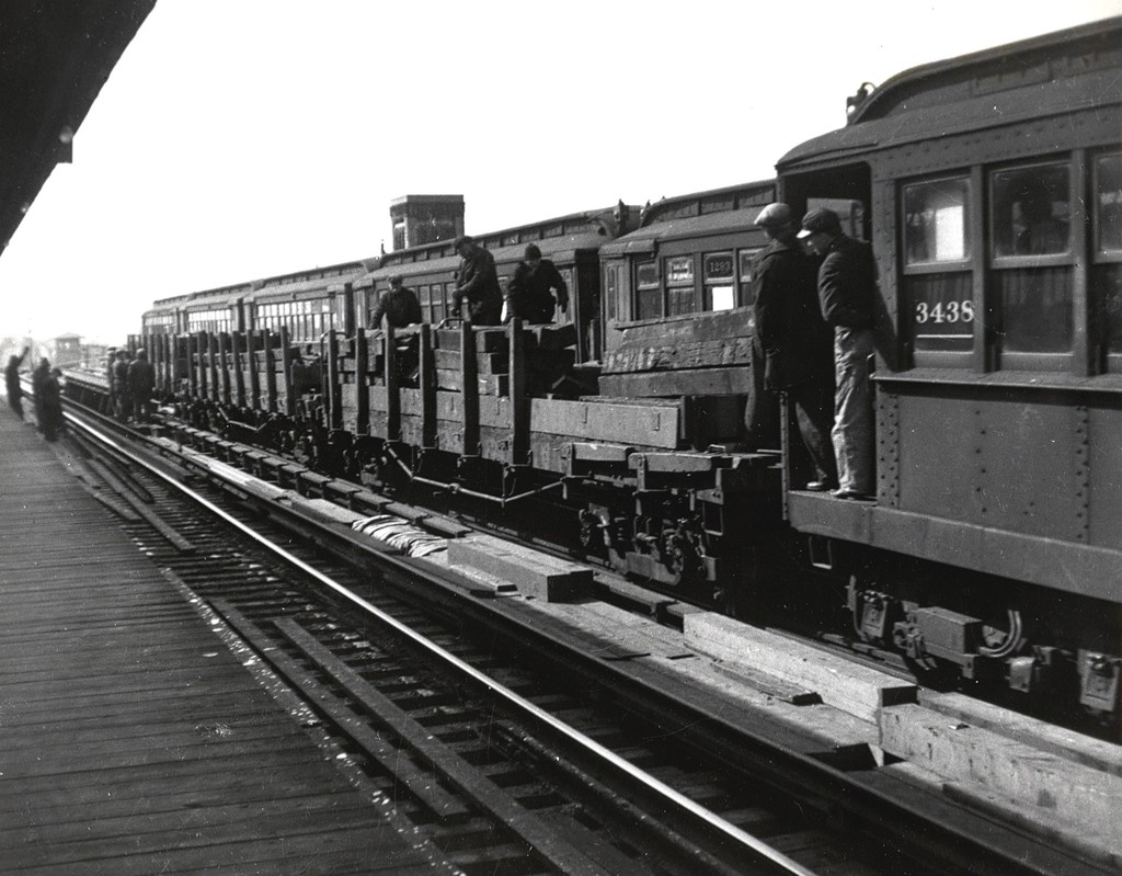(183k, 1024x799)<br><b>Country:</b> United States<br><b>City:</b> New York<br><b>System:</b> New York City Transit<br><b>Car:</b> Hi-V 3438 <br><b>Collection of:</b> George Conrad Collection<br><b>Date:</b> 1942<br><b>Viewed (this week/total):</b> 3 / 3680