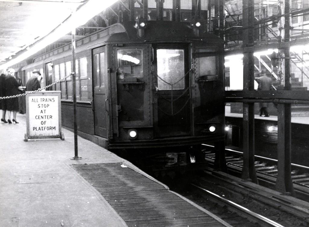 (202k, 1024x755)<br><b>Country:</b> United States<br><b>City:</b> New York<br><b>System:</b> New York City Transit<br><b>Line:</b> IRT East Side Line<br><b>Location:</b> 14th Street/Union Square <br><b>Car:</b> Low-V 5475 <br><b>Collection of:</b> George Conrad Collection<br><b>Viewed (this week/total):</b> 0 / 3697