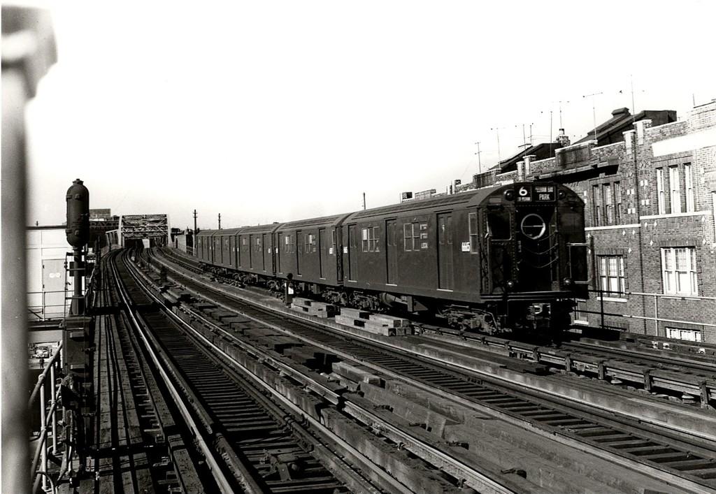 (192k, 1024x707)<br><b>Country:</b> United States<br><b>City:</b> New York<br><b>System:</b> New York City Transit<br><b>Line:</b> IRT Pelham Line<br><b>Location:</b> Elder Avenue <br><b>Car:</b> R-17 (St. Louis, 1955-56) 6665 <br><b>Collection of:</b> George Conrad Collection<br><b>Viewed (this week/total):</b> 1 / 2602