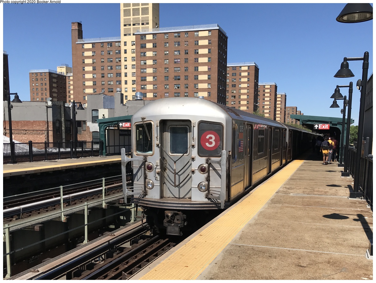 (225k, 1024x832)<br><b>Country:</b> United States<br><b>City:</b> New York<br><b>System:</b> New York City Transit<br><b>Line:</b> IRT White Plains Road Line<br><b>Location:</b> West Farms Sq./East Tremont Ave./177th St. <br><b>Car:</b> R-22 (St. Louis, 1957-58) 7418 <br><b>Collection of:</b> George Conrad Collection<br><b>Date:</b> 8/12/1962<br><b>Viewed (this week/total):</b> 1 / 2509