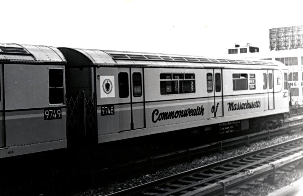 (111k, 1024x664)<br><b>Country:</b> United States<br><b>City:</b> New York<br><b>System:</b> New York City Transit<br><b>Line:</b> IRT Flushing Line<br><b>Location:</b> 33rd Street/Rawson Street <br><b>Route:</b> 7<br><b>Car:</b> R-36 World's Fair (St. Louis, 1963-64) 9748 <br><b>Collection of:</b> George Conrad Collection<br><b>Date:</b> 10/10/1964<br><b>Notes:</b> Commonwealth of Massachusetts car.<br><b>Viewed (this week/total):</b> 9 / 3259