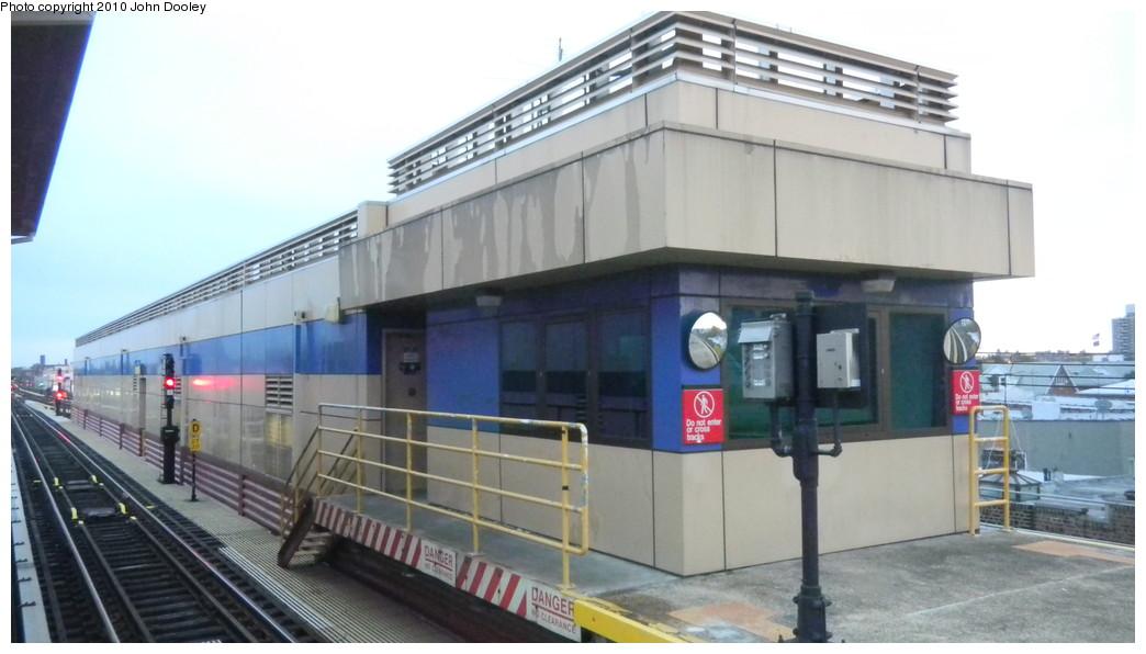 (194k, 1044x596)<br><b>Country:</b> United States<br><b>City:</b> New York<br><b>System:</b> New York City Transit<br><b>Line:</b> BMT West End Line<br><b>Location:</b> Bay Parkway <br><b>Photo by:</b> John Dooley<br><b>Date:</b> 10/31/2010<br><b>Viewed (this week/total):</b> 0 / 1255