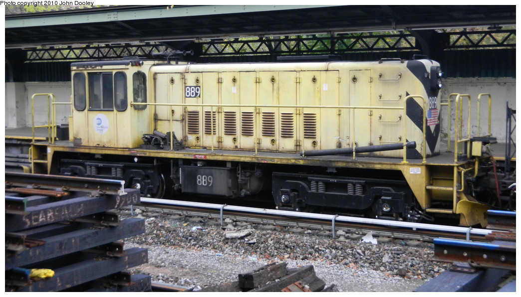 (252k, 1044x596)<br><b>Country:</b> United States<br><b>City:</b> New York<br><b>System:</b> New York City Transit<br><b>Line:</b> BMT Sea Beach Line<br><b>Location:</b> Fort Hamilton Parkway <br><b>Route:</b> Work Service<br><b>Car:</b> R-77 Locomotive  889 <br><b>Photo by:</b> John Dooley<br><b>Date:</b> 11/7/2010<br><b>Viewed (this week/total):</b> 0 / 637