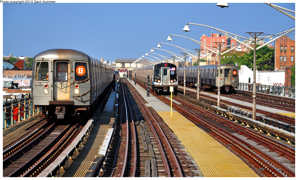 (344k, 1044x633)<br><b>Country:</b> United States<br><b>City:</b> New York<br><b>System:</b> New York City Transit<br><b>Line:</b> BMT Brighton Line<br><b>Location:</b> Ocean Parkway <br><b>Car:</b> R-68A (Kawasaki, 1988-1989)  5114 <br><b>Photo by:</b> Zach Summer<br><b>Date:</b> 7/6/2010<br><b>Notes:</b> R68A 5114-B Yard Move, R160B 8928-Q, R68A 5074-B Layup<br><b>Viewed (this week/total):</b> 4 / 2631