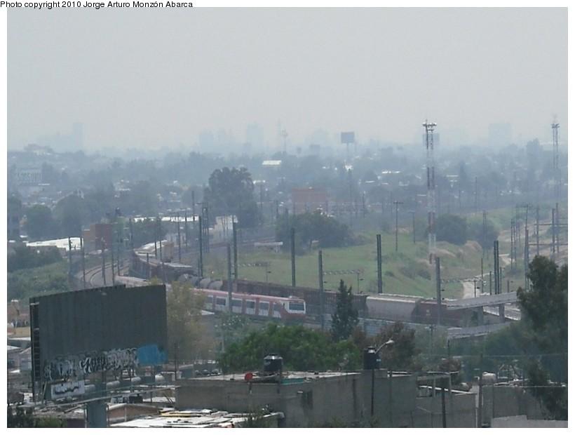 (101k, 820x620)<br><b>Country:</b> Mexico<br><b>City:</b> Mexico City<br><b>System:</b> Ferrocarril Suburbano de la Zona Metropolitana de México (Suburban Railway)<br><b>Location:</b> San Rafael <br><b>Photo by:</b> Jorge Arturo Monzón Abarca<br><b>Date:</b> 9/11/2010<br><b>Viewed (this week/total):</b> 0 / 419