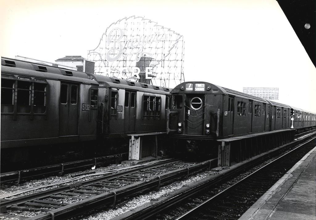 (161k, 1024x712)<br><b>Country:</b> United States<br><b>City:</b> New York<br><b>System:</b> New York City Transit<br><b>Line:</b> IRT Flushing Line<br><b>Location:</b> 33rd Street/Rawson Street <br><b>Route:</b> 7<br><b>Car:</b> R-17 (St. Louis, 1955-56) 6519 <br><b>Collection of:</b> George Conrad Collection<br><b>Date:</b> 8/30/1963<br><b>Notes:</b> With R-12 5732, 5824<br><b>Viewed (this week/total):</b> 2 / 2870