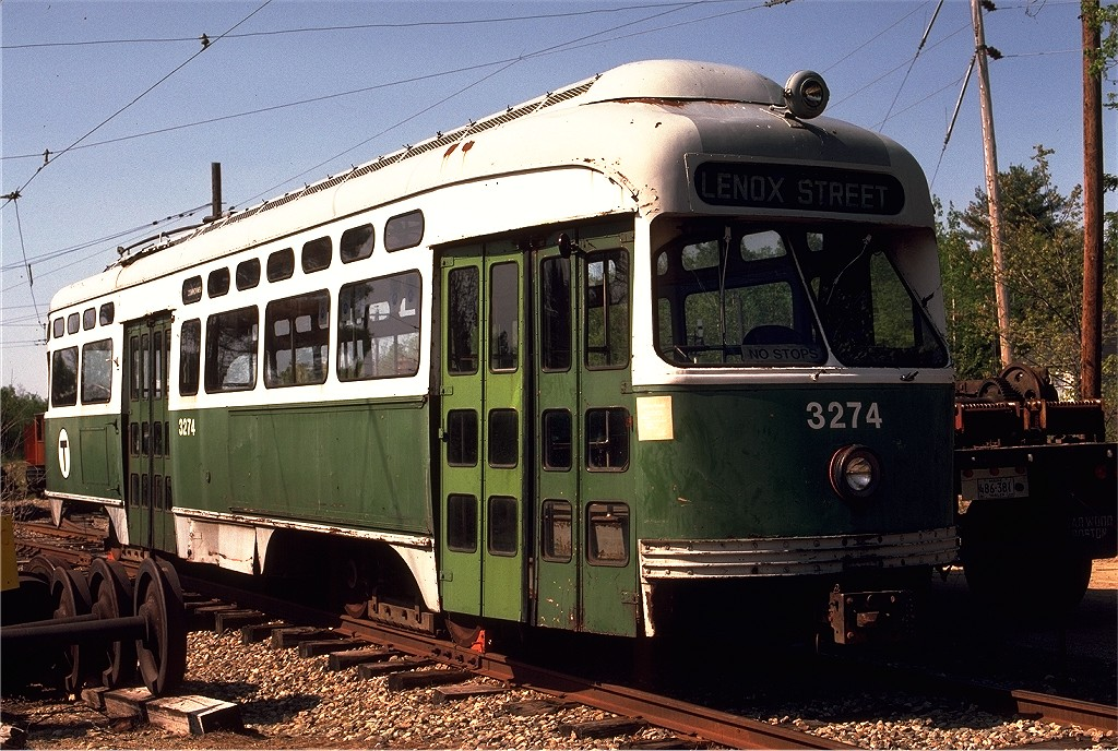 (247k, 1024x688)<br><b>Country:</b> United States<br><b>City:</b> Kennebunk, ME<br><b>System:</b> Seashore Trolley Museum <br><b>Car:</b> MBTA/BSRy PCC Post-War Picture Window (Pullman-Standard, 1951)  3274 <br><b>Photo by:</b> Gerald H. Landau<br><b>Collection of:</b> Joe Testagrose<br><b>Date:</b> 5/24/1981<br><b>Viewed (this week/total):</b> 8 / 579