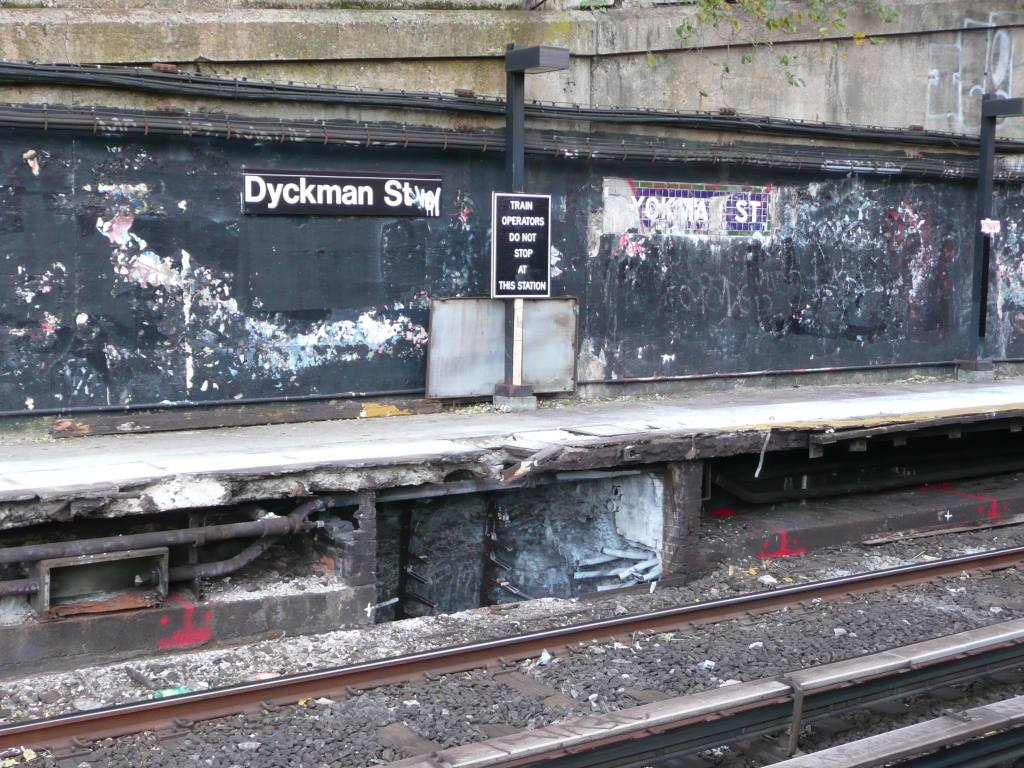 (177k, 1024x768)<br><b>Country:</b> United States<br><b>City:</b> New York<br><b>System:</b> New York City Transit<br><b>Line:</b> IRT West Side Line<br><b>Location:</b> Dyckman Street <br><b>Photo by:</b> Robbie Rosenfeld<br><b>Date:</b> 10/21/2010<br><b>Notes:</b> Station renovation.<br><b>Viewed (this week/total):</b> 0 / 1294