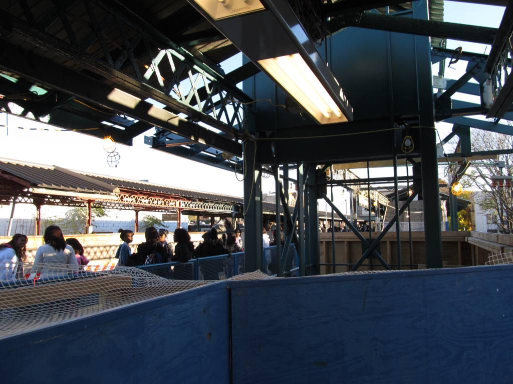 (126k, 1024x768)<br><b>Country:</b> United States<br><b>City:</b> New York<br><b>System:</b> New York City Transit<br><b>Line:</b> BMT Brighton Line<br><b>Location:</b> Kings Highway <br><b>Photo by:</b> Robbie Rosenfeld<br><b>Date:</b> 11/9/2010<br><b>Notes:</b> Station renovation.<br><b>Viewed (this week/total):</b> 1 / 1279