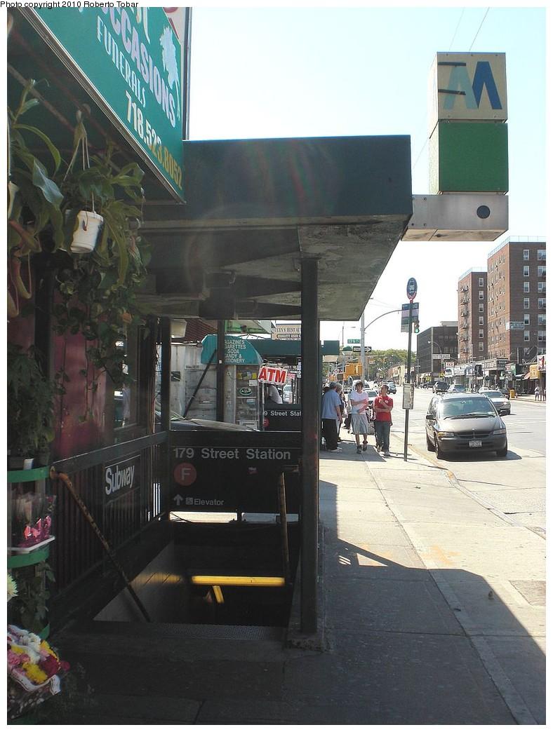 (239k, 788x1044)<br><b>Country:</b> United States<br><b>City:</b> New York<br><b>System:</b> New York City Transit<br><b>Line:</b> IND Queens Boulevard Line<br><b>Location:</b> 179th Street <br><b>Photo by:</b> Roberto C. Tobar<br><b>Date:</b> 8/28/2010<br><b>Notes:</b> Station entrance.<br><b>Viewed (this week/total):</b> 0 / 1631