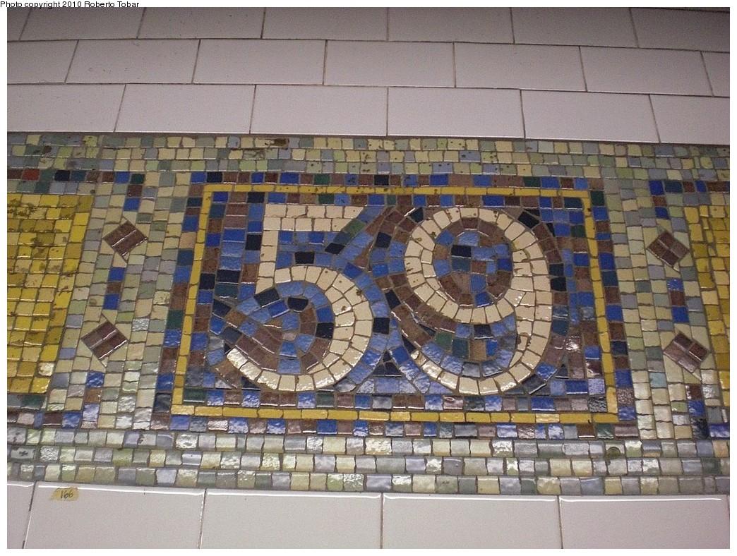 (302k, 1044x788)<br><b>Country:</b> United States<br><b>City:</b> New York<br><b>System:</b> New York City Transit<br><b>Line:</b> IRT East Side Line<br><b>Location:</b> 59th Street <br><b>Photo by:</b> Roberto C. Tobar<br><b>Date:</b> 6/25/2010<br><b>Notes:</b> 59 mosaic panel.<br><b>Viewed (this week/total):</b> 1 / 776