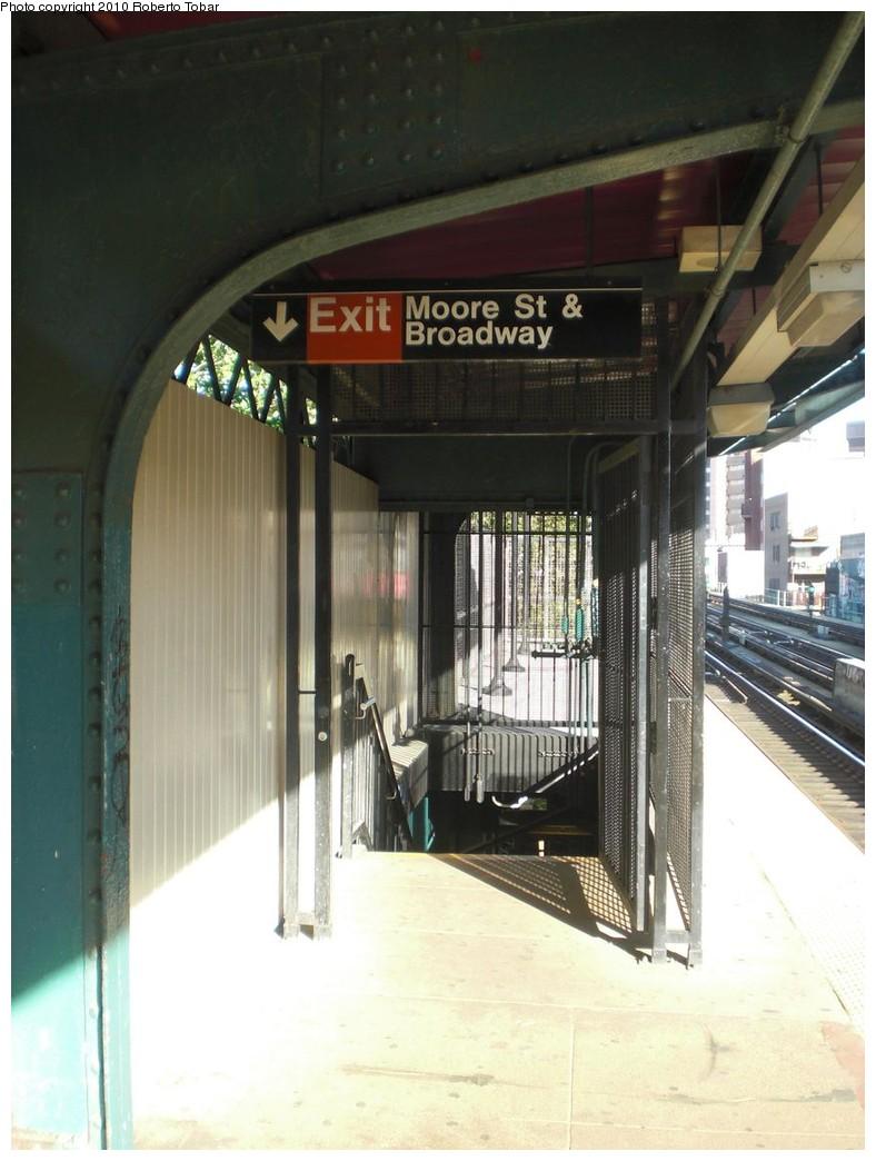 (210k, 788x1044)<br><b>Country:</b> United States<br><b>City:</b> New York<br><b>System:</b> New York City Transit<br><b>Line:</b> BMT Nassau Street/Jamaica Line<br><b>Location:</b> Lorimer Street <br><b>Photo by:</b> Roberto C. Tobar<br><b>Date:</b> 5/5/2010<br><b>Notes:</b> Stairs to street- Moore & Broadway.<br><b>Viewed (this week/total):</b> 0 / 738
