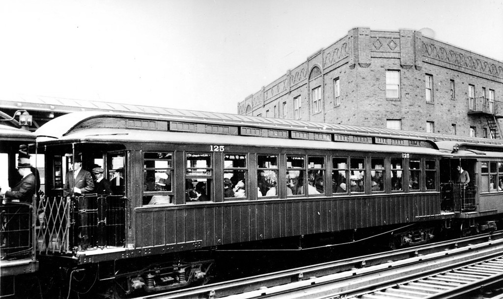 (173k, 1024x610)<br><b>Country:</b> United States<br><b>City:</b> New York<br><b>System:</b> New York City Transit<br><b>Line:</b> IRT Flushing Line<br><b>Location:</b> 52nd Street/Lincoln Avenue <br><b>Car:</b> BMT Elevated Gate Car 125 <br><b>Collection of:</b> George Conrad Collection<br><b>Viewed (this week/total):</b> 0 / 3035