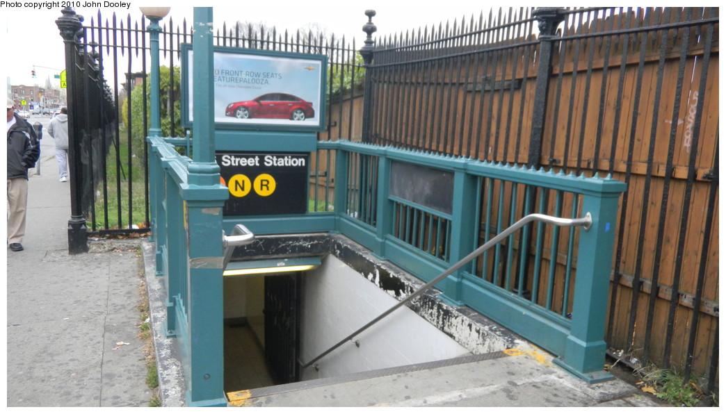 (241k, 1044x596)<br><b>Country:</b> United States<br><b>City:</b> New York<br><b>System:</b> New York City Transit<br><b>Line:</b> BMT 4th Avenue<br><b>Location:</b> 36th Street <br><b>Photo by:</b> John Dooley<br><b>Date:</b> 11/26/2010<br><b>Notes:</b> Station entrance.<br><b>Viewed (this week/total):</b> 4 / 1732