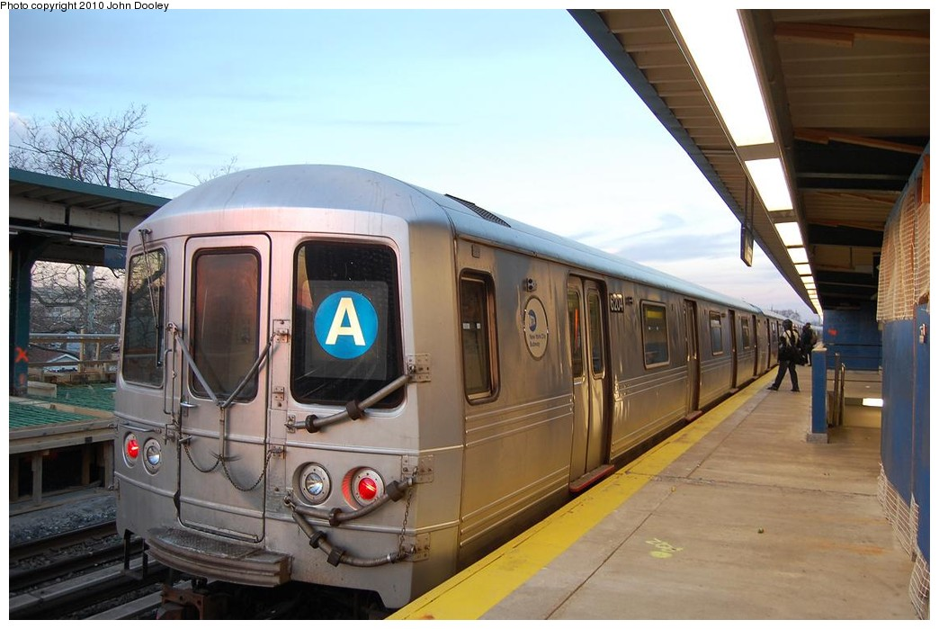 (201k, 1044x699)<br><b>Country:</b> United States<br><b>City:</b> New York<br><b>System:</b> New York City Transit<br><b>Line:</b> IND Rockaway<br><b>Location:</b> Beach 25th Street/Wavecrest <br><b>Route:</b> A<br><b>Car:</b> R-46 (Pullman-Standard, 1974-75)  <br><b>Photo by:</b> John Dooley<br><b>Date:</b> 11/29/2010<br><b>Viewed (this week/total):</b> 0 / 1172