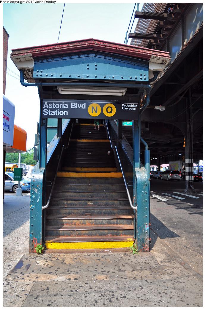 (312k, 693x1045)<br><b>Country:</b> United States<br><b>City:</b> New York<br><b>System:</b> New York City Transit<br><b>Line:</b> BMT Astoria Line<br><b>Location:</b> Astoria Boulevard/Hoyt Avenue <br><b>Photo by:</b> Zach Summer<br><b>Date:</b> 7/7/2010<br><b>Notes:</b> Station entrance.<br><b>Viewed (this week/total):</b> 1 / 1618