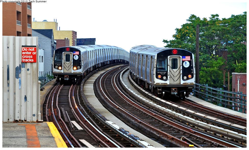 (321k, 1044x630)<br><b>Country:</b> United States<br><b>City:</b> New York<br><b>System:</b> New York City Transit<br><b>Line:</b> BMT Astoria Line<br><b>Location:</b> 30th/Grand Aves. <br><b>Route:</b> Q<br><b>Car:</b> R-160B (Kawasaki, 2005-2008)  8753 <br><b>Photo by:</b> Zach Summer<br><b>Date:</b> 7/7/2010<br><b>Notes:</b> With R-160A-2 8668 N<br><b>Viewed (this week/total):</b> 0 / 2458