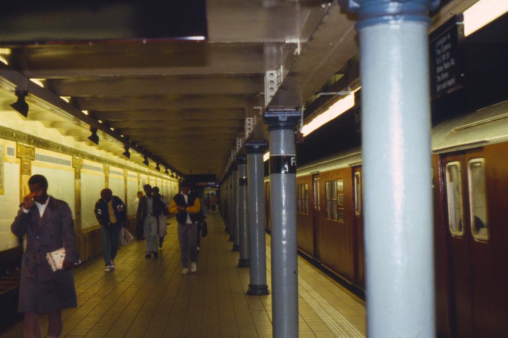 (334k, 1024x683)<br><b>Country:</b> United States<br><b>City:</b> New York<br><b>System:</b> New York City Transit<br><b>Line:</b> IRT East Side Line<br><b>Location:</b> Fulton Street <br><b>Collection of:</b> Collection of nycsubway.org <br><b>Notes:</b> 1980s<br><b>Viewed (this week/total):</b> 3 / 4329