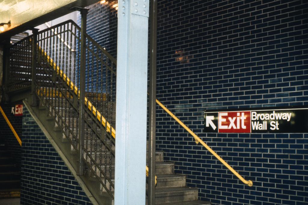 (266k, 1024x687)<br><b>Country:</b> United States<br><b>City:</b> New York<br><b>System:</b> New York City Transit<br><b>Line:</b> IRT East Side Line<br><b>Location:</b> Wall Street <br><b>Collection of:</b> Collection of nycsubway.org <br><b>Notes:</b> 1980s<br><b>Viewed (this week/total):</b> 0 / 2409