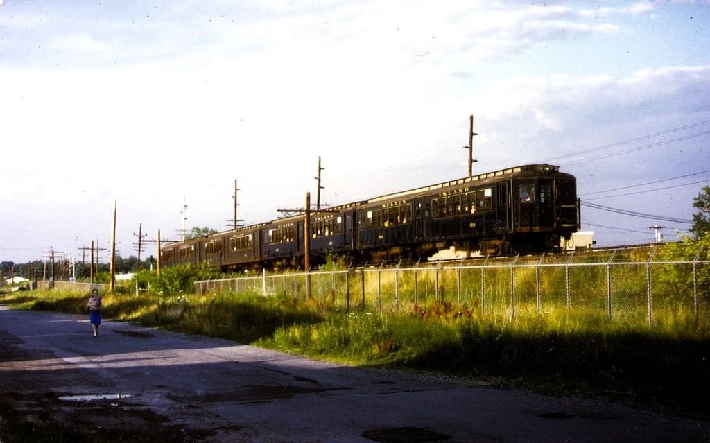(139k, 1024x639)<br><b>Country:</b> United States<br><b>City:</b> New York<br><b>System:</b> New York City Transit<br><b>Line:</b> SIRT<br><b>Location:</b> Oakwood Heights <br><b>Car:</b> SIRT ME-1 (Motor) 314 <br><b>Collection of:</b> George Conrad Collection<br><b>Date:</b> 7/6/1970<br><b>Viewed (this week/total):</b> 0 / 2243