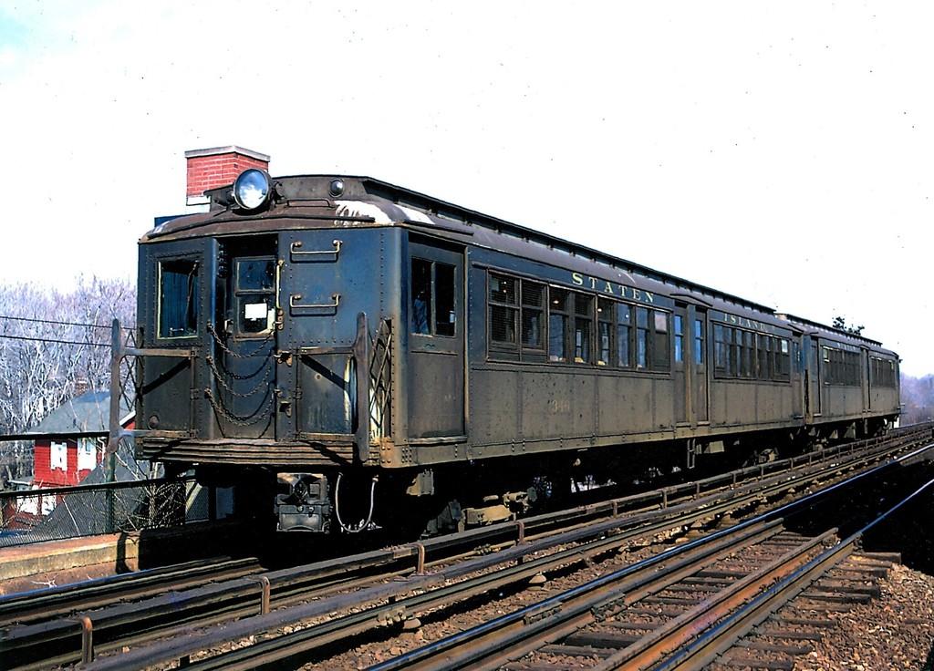 (216k, 1024x736)<br><b>Country:</b> United States<br><b>City:</b> New York<br><b>System:</b> New York City Transit<br><b>Line:</b> SIRT<br><b>Location:</b> Eltingville <br><b>Car:</b> SIRT ME-1 (Motor) 346 <br><b>Collection of:</b> George Conrad Collection<br><b>Date:</b> 3/2/1973<br><b>Viewed (this week/total):</b> 1 / 2215