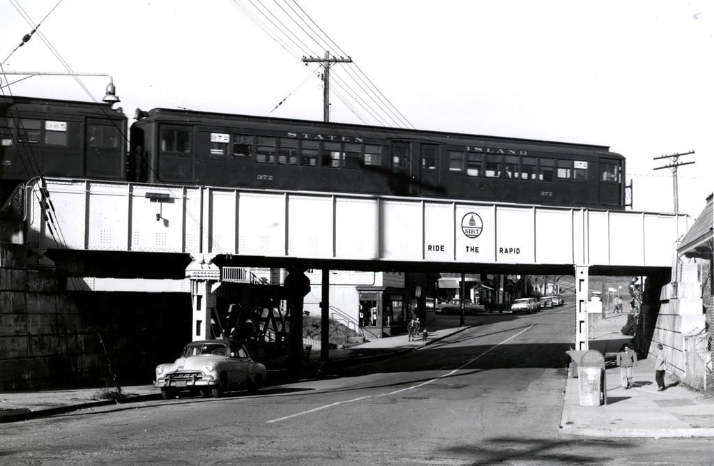 (150k, 1024x668)<br><b>Country:</b> United States<br><b>City:</b> New York<br><b>System:</b> New York City Transit<br><b>Line:</b> SIRT<br><b>Location:</b> Pleasant Plains <br><b>Car:</b> SIRT ME-1 (Motor) 372 <br><b>Collection of:</b> George Conrad Collection<br><b>Viewed (this week/total):</b> 2 / 3696