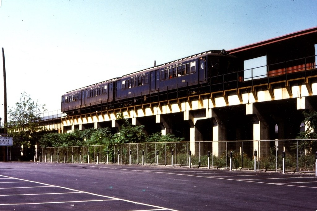 (162k, 1024x680)<br><b>Country:</b> United States<br><b>City:</b> New York<br><b>System:</b> New York City Transit<br><b>Line:</b> SIRT<br><b>Location:</b> Stapleton <br><b>Car:</b> SIRT ME-1 (Motor) 384 <br><b>Collection of:</b> George Conrad Collection<br><b>Date:</b> 6/28/1970<br><b>Viewed (this week/total):</b> 9 / 2723