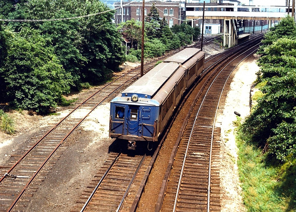 (396k, 1024x734)<br><b>Country:</b> United States<br><b>City:</b> New York<br><b>System:</b> New York City Transit<br><b>Line:</b> SIRT<br><b>Location:</b> Nassau <br><b>Car:</b> SIRT ME-1 (Motor)  <br><b>Collection of:</b> George Conrad Collection<br><b>Date:</b> 8/1/1972<br><b>Viewed (this week/total):</b> 1 / 2290