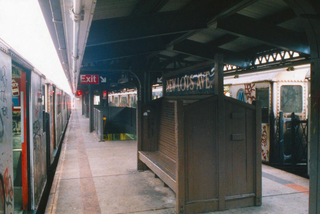 (420k, 1024x683)<br><b>Country:</b> United States<br><b>City:</b> New York<br><b>System:</b> New York City Transit<br><b>Line:</b> IRT Brooklyn Line<br><b>Location:</b> New Lots Avenue <br><b>Collection of:</b> Collection of nycsubway.org <br><b>Notes:</b> 1980s<br><b>Viewed (this week/total):</b> 7 / 2325