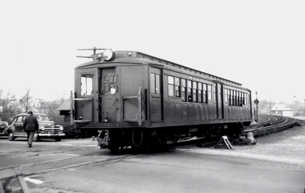 (91k, 1024x649)<br><b>Country:</b> United States<br><b>City:</b> New York<br><b>System:</b> New York City Transit<br><b>Line:</b> SIRT South Beach Line<br><b>Location:</b> South Beach <br><b>Car:</b> SIRT ME-1 (Motor) 311 <br><b>Collection of:</b> George Conrad Collection<br><b>Date:</b> 3/31/1953<br><b>Viewed (this week/total):</b> 0 / 3049