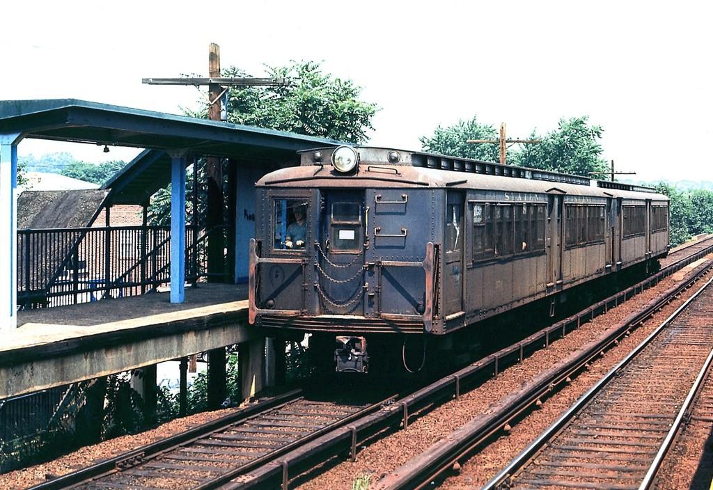(257k, 1024x704)<br><b>Country:</b> United States<br><b>City:</b> New York<br><b>System:</b> New York City Transit<br><b>Line:</b> SIRT<br><b>Car:</b> SIRT ME-1 (Motor)  <br><b>Collection of:</b> George Conrad Collection<br><b>Viewed (this week/total):</b> 1 / 3001