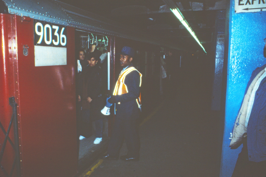 (295k, 1024x683)<br><b>Country:</b> United States<br><b>City:</b> New York<br><b>System:</b> New York City Transit<br><b>Line:</b> IRT East Side Line<br><b>Location:</b> Grand Central <br><b>Car:</b> R-33 Main Line (St. Louis, 1962-63) 9036 <br><b>Collection of:</b> Collection of nycsubway.org <br><b>Notes:</b> 1980s<br><b>Viewed (this week/total):</b> 5 / 3469