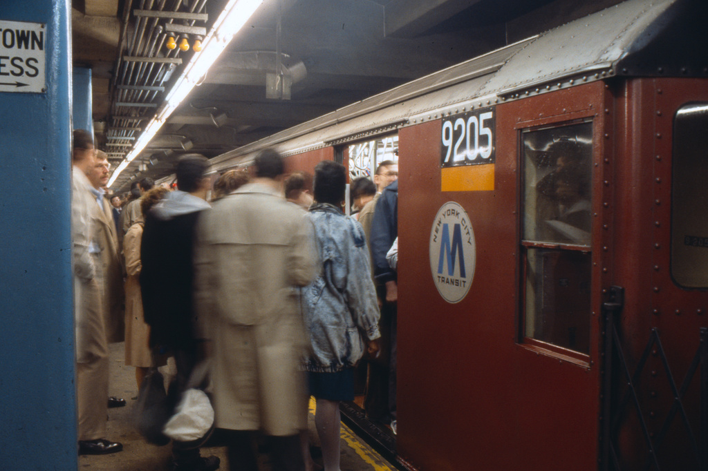 (294k, 1024x682)<br><b>Country:</b> United States<br><b>City:</b> New York<br><b>System:</b> New York City Transit<br><b>Line:</b> IRT East Side Line<br><b>Location:</b> Grand Central <br><b>Route:</b> 4<br><b>Car:</b> R-33 Main Line (St. Louis, 1962-63) 9205 <br><b>Collection of:</b> Collection of nycsubway.org <br><b>Date:</b> 3/1988<br><b>Viewed (this week/total):</b> 4 / 4328