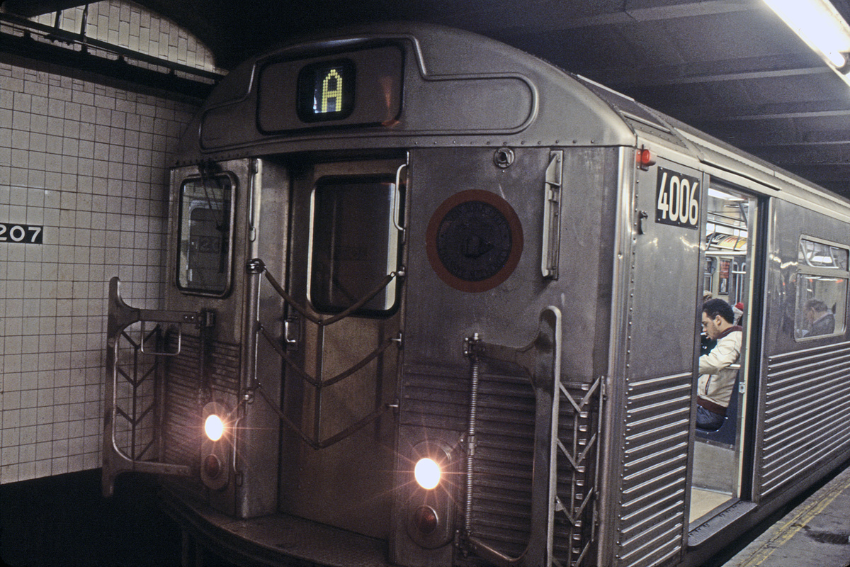 (226k, 1024x691)<br><b>Country:</b> United States<br><b>City:</b> New York<br><b>System:</b> New York City Transit<br><b>Line:</b> IND 8th Avenue Line<br><b>Location:</b> 207th Street <br><b>Route:</b> A<br><b>Car:</b> R-38 (St. Louis, 1966-1967)  4006 <br><b>Collection of:</b> Collection of nycsubway.org <br><b>Notes:</b> 1980s<br><b>Viewed (this week/total):</b> 2 / 1963