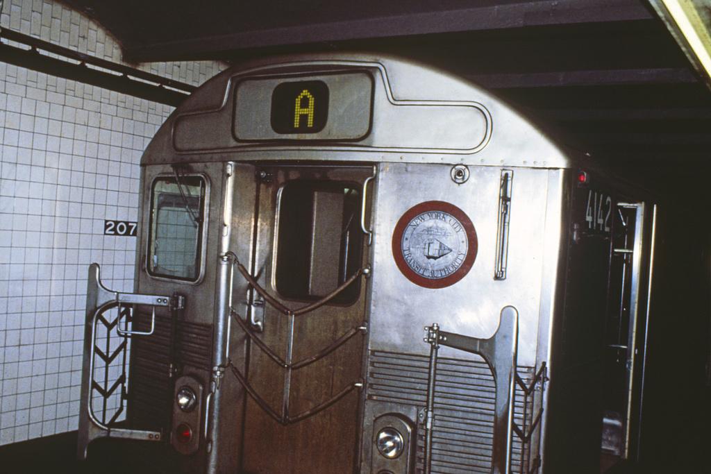 (237k, 1024x680)<br><b>Country:</b> United States<br><b>City:</b> New York<br><b>System:</b> New York City Transit<br><b>Line:</b> IND 8th Avenue Line<br><b>Location:</b> 207th Street <br><b>Route:</b> A<br><b>Car:</b> R-38 (St. Louis, 1966-1967)  4142 <br><b>Collection of:</b> Collection of nycsubway.org <br><b>Notes:</b> 1980s<br><b>Viewed (this week/total):</b> 1 / 1734