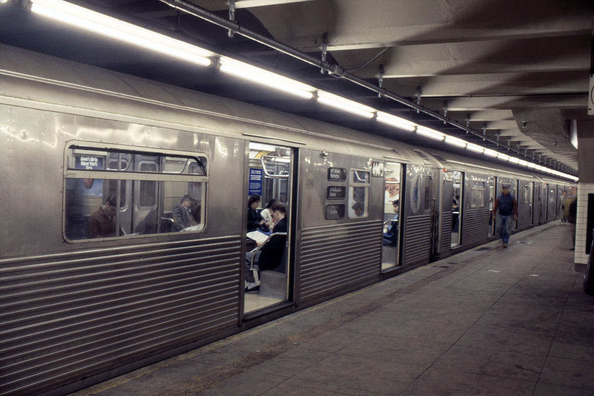 (247k, 1024x690)<br><b>Country:</b> United States<br><b>City:</b> New York<br><b>System:</b> New York City Transit<br><b>Line:</b> IND 8th Avenue Line<br><b>Location:</b> 207th Street <br><b>Route:</b> A<br><b>Car:</b> R-38 (St. Louis, 1966-1967)  4143 <br><b>Collection of:</b> Collection of nycsubway.org <br><b>Notes:</b> 1980s<br><b>Viewed (this week/total):</b> 0 / 2610