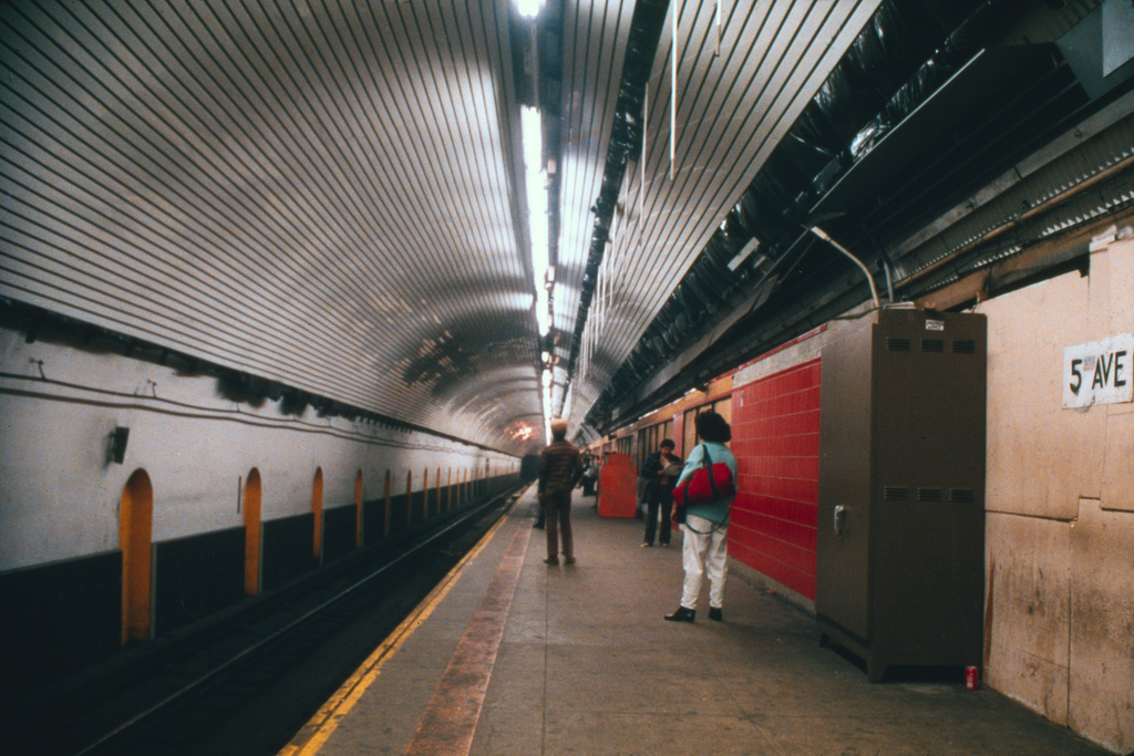 (275k, 1024x691)<br><b>Country:</b> United States<br><b>City:</b> New York<br><b>System:</b> New York City Transit<br><b>Line:</b> IND Queens Boulevard Line<br><b>Location:</b> 5th Avenue/53rd Street <br><b>Collection of:</b> Collection of nycsubway.org <br><b>Notes:</b> 1980s<br><b>Viewed (this week/total):</b> 1 / 2785
