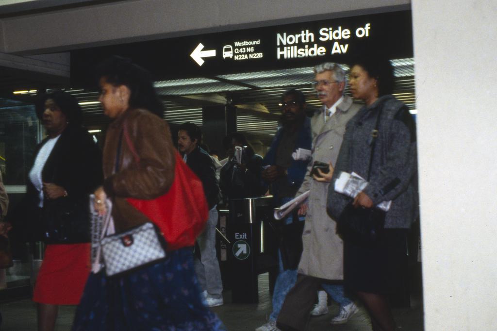 (305k, 1024x682)<br><b>Country:</b> United States<br><b>City:</b> New York<br><b>System:</b> New York City Transit<br><b>Line:</b> IND Queens Boulevard Line<br><b>Location:</b> 179th Street <br><b>Collection of:</b> Collection of nycsubway.org <br><b>Notes:</b> 1980s<br><b>Viewed (this week/total):</b> 1 / 1600