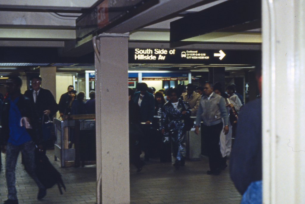 (222k, 1024x690)<br><b>Country:</b> United States<br><b>City:</b> New York<br><b>System:</b> New York City Transit<br><b>Line:</b> IND Queens Boulevard Line<br><b>Location:</b> 179th Street <br><b>Collection of:</b> Collection of nycsubway.org <br><b>Notes:</b> 1980s<br><b>Viewed (this week/total):</b> 1 / 1503