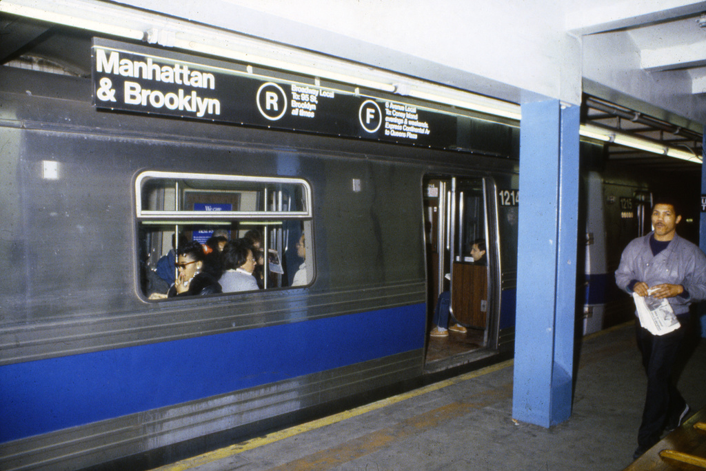 (369k, 1024x683)<br><b>Country:</b> United States<br><b>City:</b> New York<br><b>System:</b> New York City Transit<br><b>Line:</b> IND Queens Boulevard Line<br><b>Location:</b> Union Turnpike/Kew Gardens <br><b>Route:</b> F<br><b>Car:</b> R-46 (Pullman-Standard, 1974-75) 1214 <br><b>Collection of:</b> Collection of nycsubway.org <br><b>Notes:</b> 1980s<br><b>Viewed (this week/total):</b> 7 / 3789