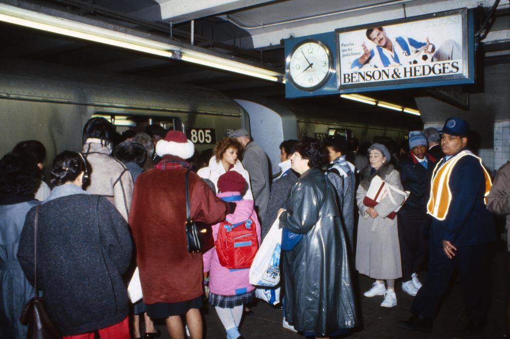 (421k, 1024x682)<br><b>Country:</b> United States<br><b>City:</b> New York<br><b>System:</b> New York City Transit<br><b>Line:</b> IND Queens Boulevard Line<br><b>Location:</b> Roosevelt Avenue <br><b>Route:</b> F<br><b>Car:</b> R-46 (Pullman-Standard, 1974-75) 805 <br><b>Collection of:</b> Collection of nycsubway.org <br><b>Notes:</b> 1980s<br><b>Viewed (this week/total):</b> 0 / 2646