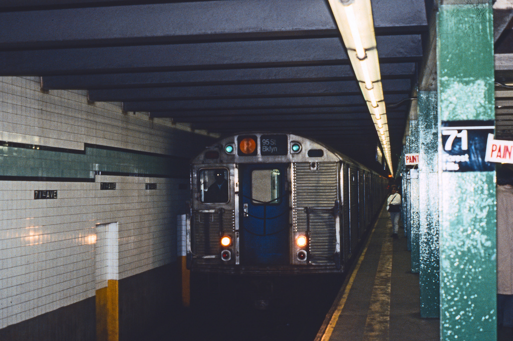 (401k, 1024x682)<br><b>Country:</b> United States<br><b>City:</b> New York<br><b>System:</b> New York City Transit<br><b>Line:</b> IND Queens Boulevard Line<br><b>Location:</b> 71st/Continental Aves./Forest Hills <br><b>Route:</b> R<br><b>Car:</b> R-32 (Budd, 1964)   <br><b>Collection of:</b> Collection of nycsubway.org <br><b>Notes:</b> 1980s<br><b>Viewed (this week/total):</b> 1 / 4684