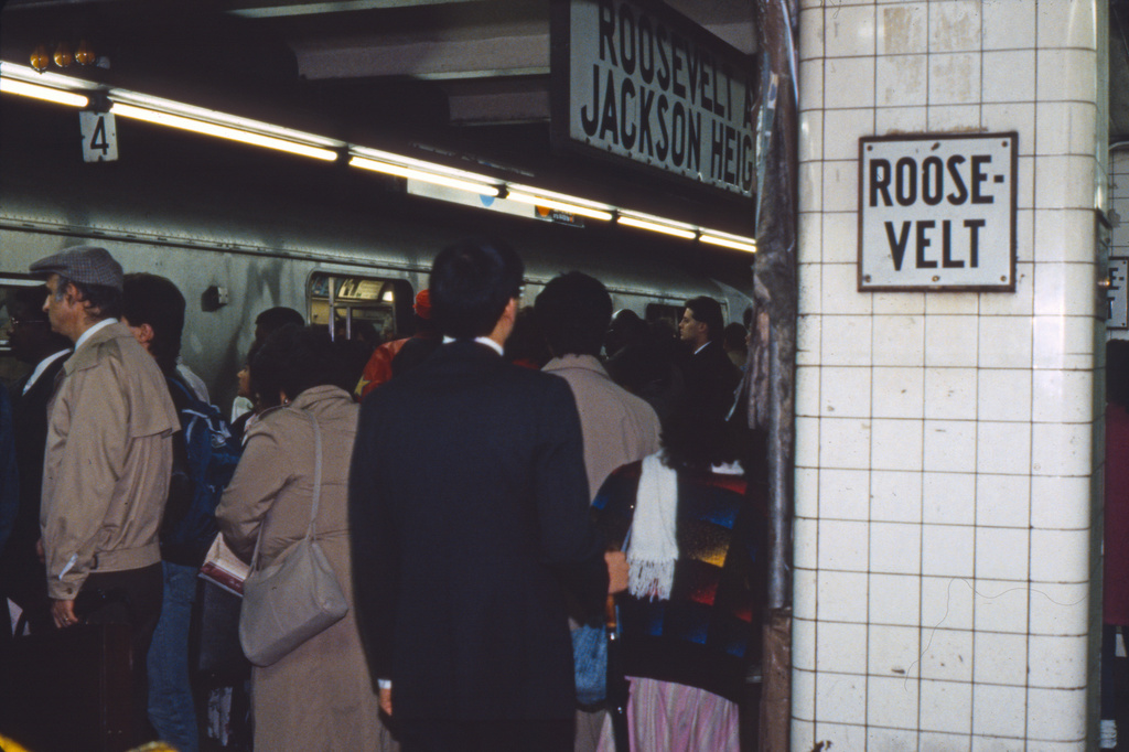 (228k, 1024x690)<br><b>Country:</b> United States<br><b>City:</b> New York<br><b>System:</b> New York City Transit<br><b>Line:</b> IND Queens Boulevard Line<br><b>Location:</b> Roosevelt Avenue <br><b>Collection of:</b> Collection of nycsubway.org <br><b>Notes:</b> 1980s<br><b>Viewed (this week/total):</b> 2 / 1799