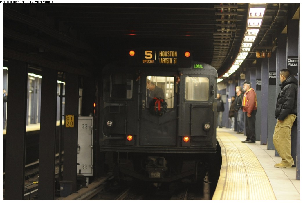 (123k, 1044x702)<br><b>Country:</b> United States<br><b>City:</b> New York<br><b>System:</b> New York City Transit<br><b>Line:</b> IND Queens Boulevard Line<br><b>Location:</b> Queens Plaza <br><b>Route:</b> Fan Trip<br><b>Car:</b> R-1 (American Car & Foundry, 1930-1931) 381 <br><b>Photo by:</b> Richard Panse<br><b>Date:</b> 12/5/2010<br><b>Notes:</b> Nostalgia train- Sunday Shoppers Special<br><b>Viewed (this week/total):</b> 2 / 1120